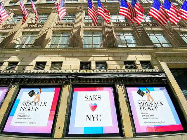 Saks Fifth Avenue NYC (1)