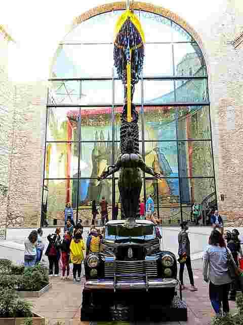 Dalí Museum Figueres Spain (3)