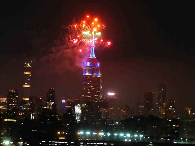 Empire State Building Fireworks (1)