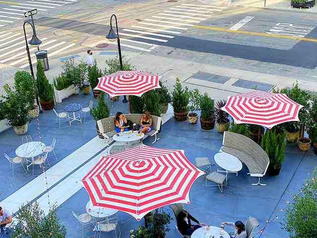 Outdoor Dining (2)
