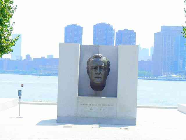 Roosevelt Island (1)