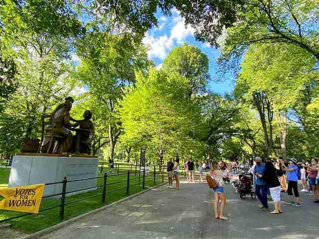 Women's Monument Central Park (4)
