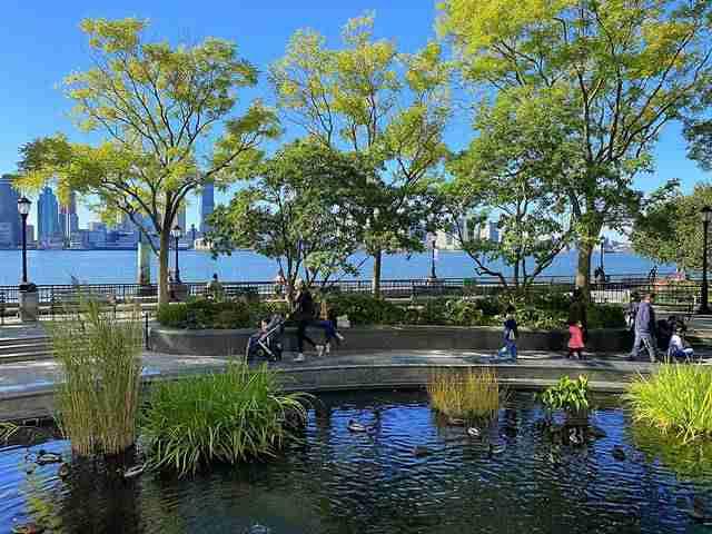 Rockefeller Park (1)