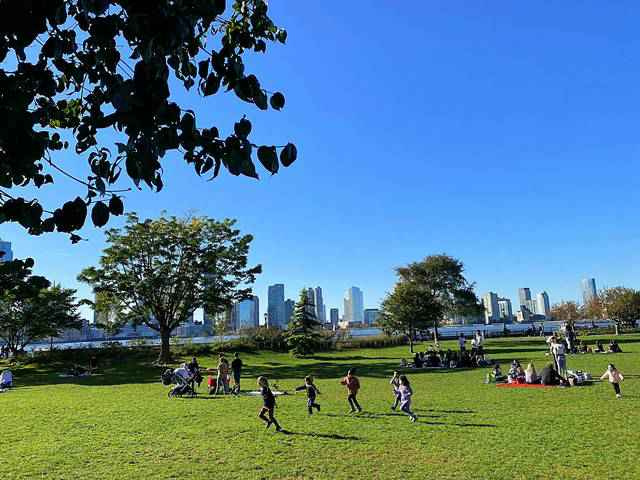 Rockefeller Park (3)