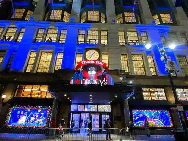 Macy's Holiday Windows (1)