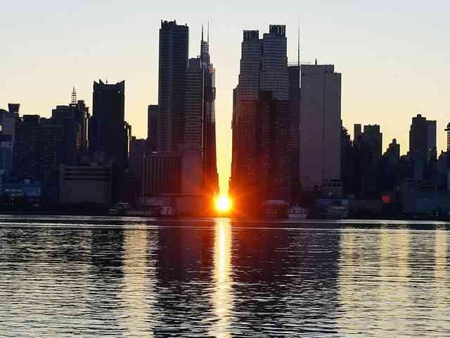 Manhattanhenge Sunrise (6)