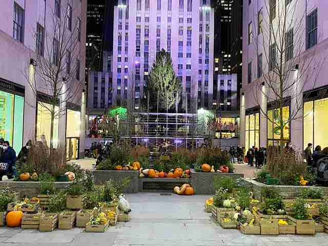 Rockefeller Center (2)