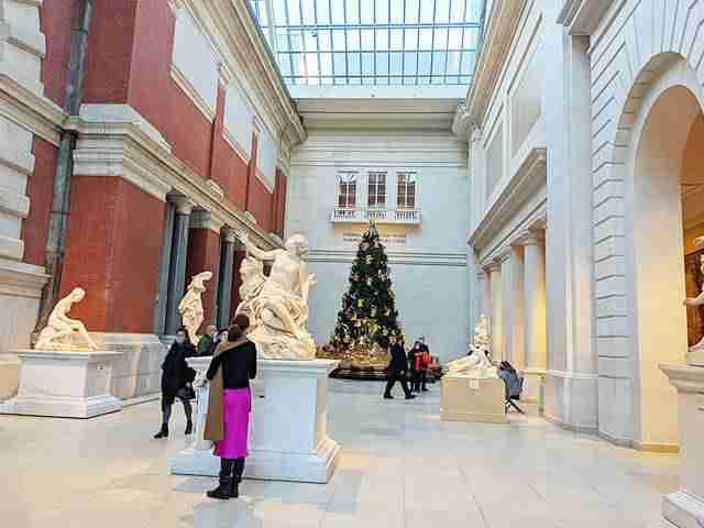 MET Christmas Tree (2)