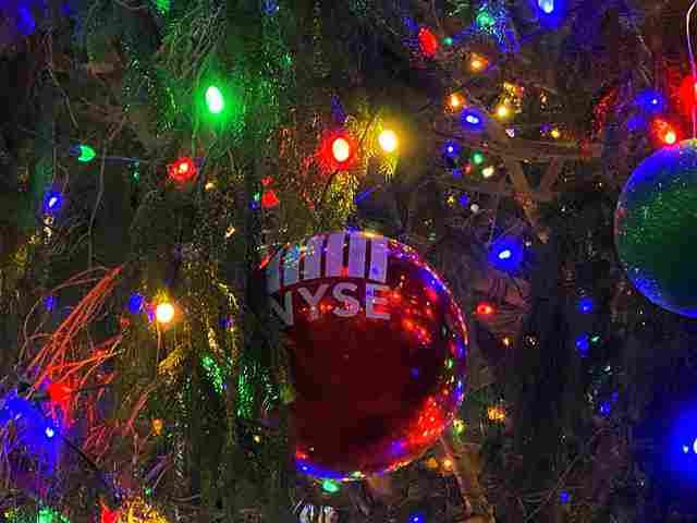 NYSE Christmas (7)