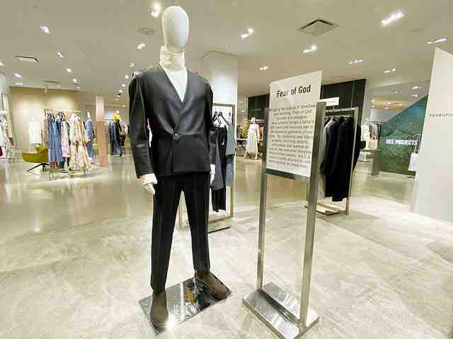 Barneys at Saks (10)