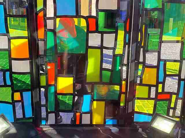 Tom Fruin Stained Glass House (7)